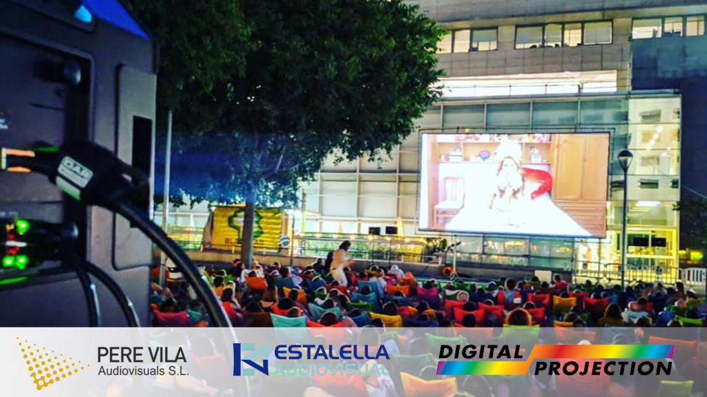 Cine al aire libre con Digital Projection